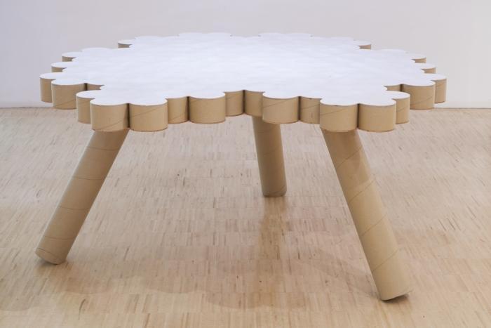 Fineer Table